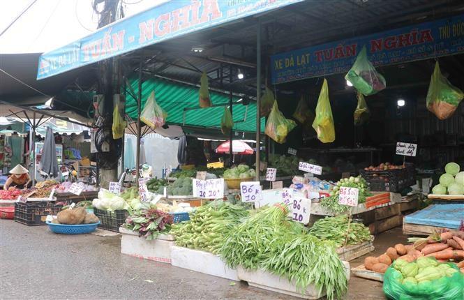 TP.HCM mở bán lại lương thực thực phẩm tại chợ truyền thống